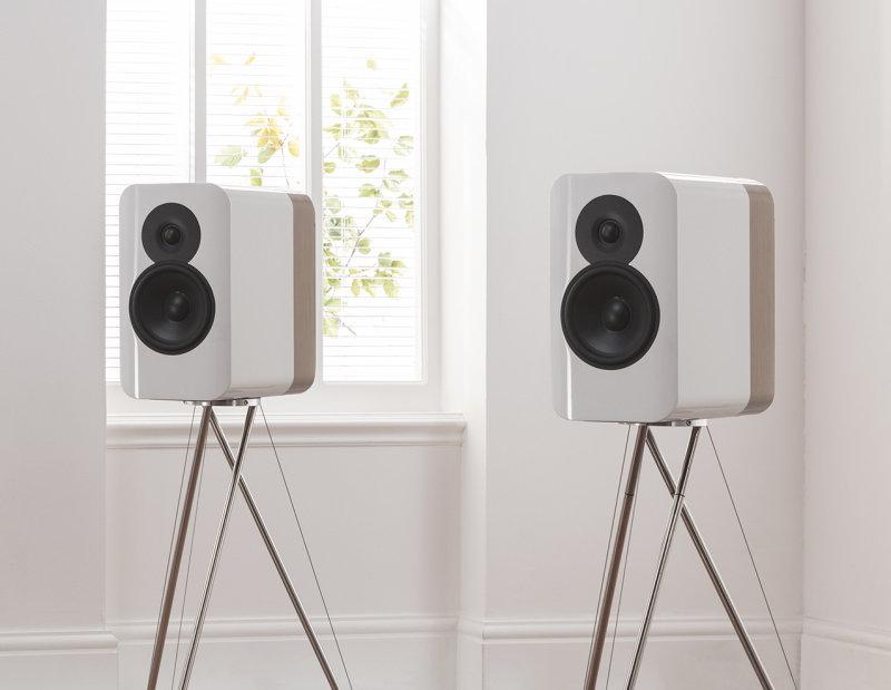 Q-Acoustics Concept 300 Compact-Speaker, white Bicolor incl  Stands  (Demomodel)