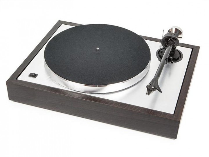 Pro-Ject The Classic Turntable with Ortofon 2M silvr