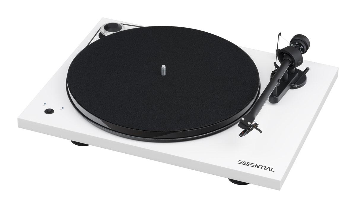 Pro-Ject Essential III SB mit Ortofon OM10 Tonabnehmer, hgl. weiss (geprüfte Retoure)