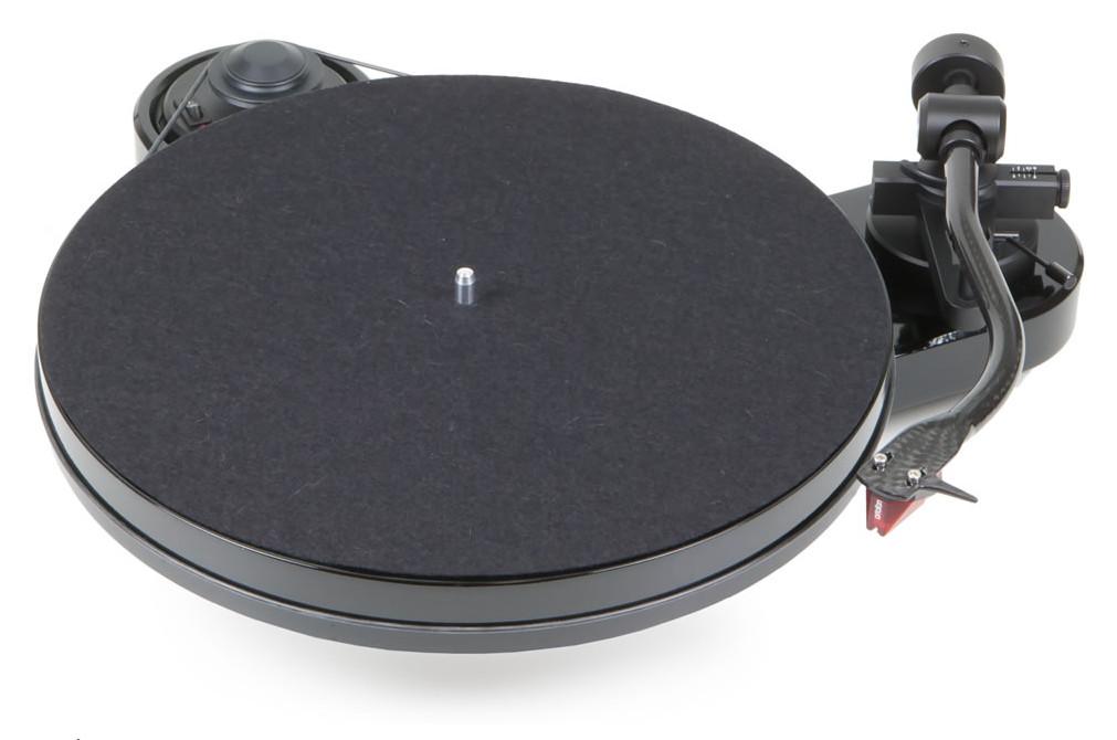 Pro-Ject RPM 1 Carbon mit Ortofon 2M Red hochglanz schwarz