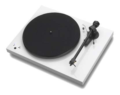 Pro-Ject Debut III Record Master mit Ortofon OM 5e hochglanz weiss
