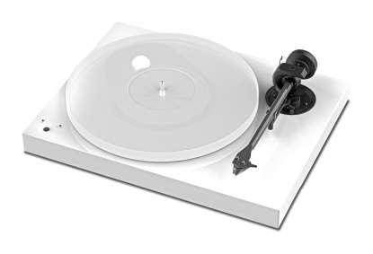 Pro-Ject X1 turntable with Ortofon Pick it S2 MM Cartridge Pianolack white